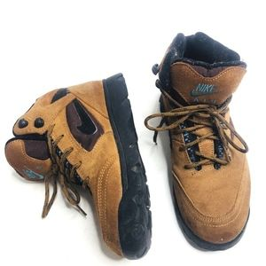 Nike Air ACG Aztec Leather Hiking Trail Boots